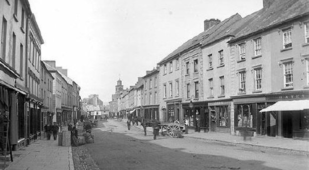 Lower Main Street, Carrick-on-Suir in the early 1900's
